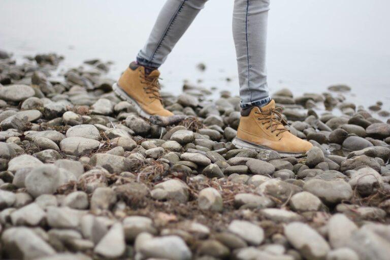 hiking, walking, hiking shoes-1149891.jpg